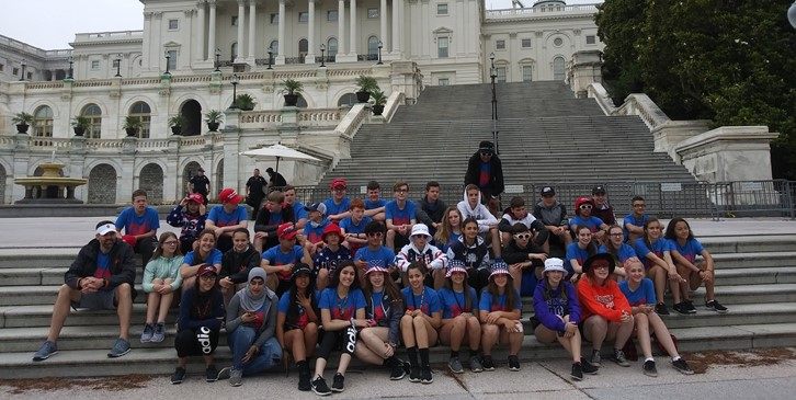 8th graders at the US Capitol Building
