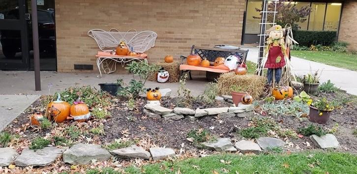 Garden Club Pumpkin Display