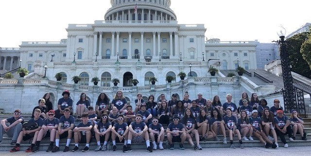 8th grade students at the US Capitol building
